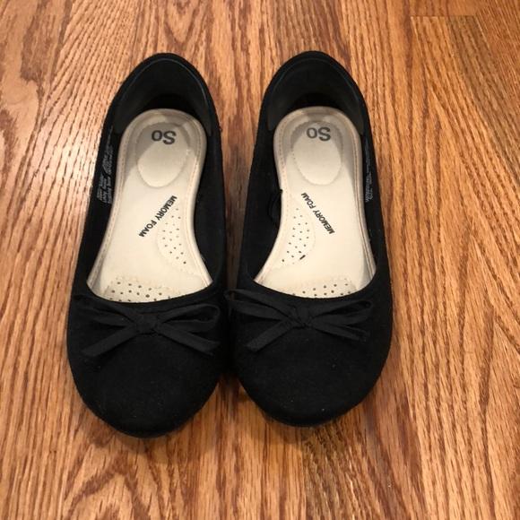 Black faux suede ballet flats